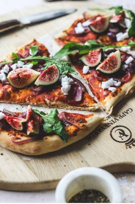 fig and rocket flatbread