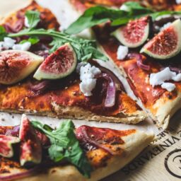 fig and rocket flatbread